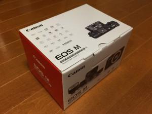 EOS Mの箱