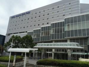ホテル阪急エキスポパークの外観。万博記念公園駅の真向かい。