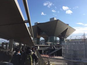 『ゆりかもめ』の国際展示場正門駅からビックサイト方面へ。