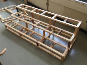 階段の全てのパーツを組み込むとこうなります。色の地が木材はリサイクル品。